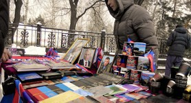 Putin`s and Zakharchenko`s portraits sold at Christmas fair in occupied Donetsk city. PHOTOS