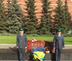 Blue and yellow flowers and honor guard put at Kyiv memorial in Moscow. PHOTOS