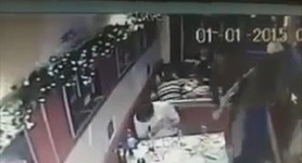 Celebrating New Year`s Eve? Get knocked down with a rifle butt!: Terrorists beat up café visitors in Alchevsk. VIDEO